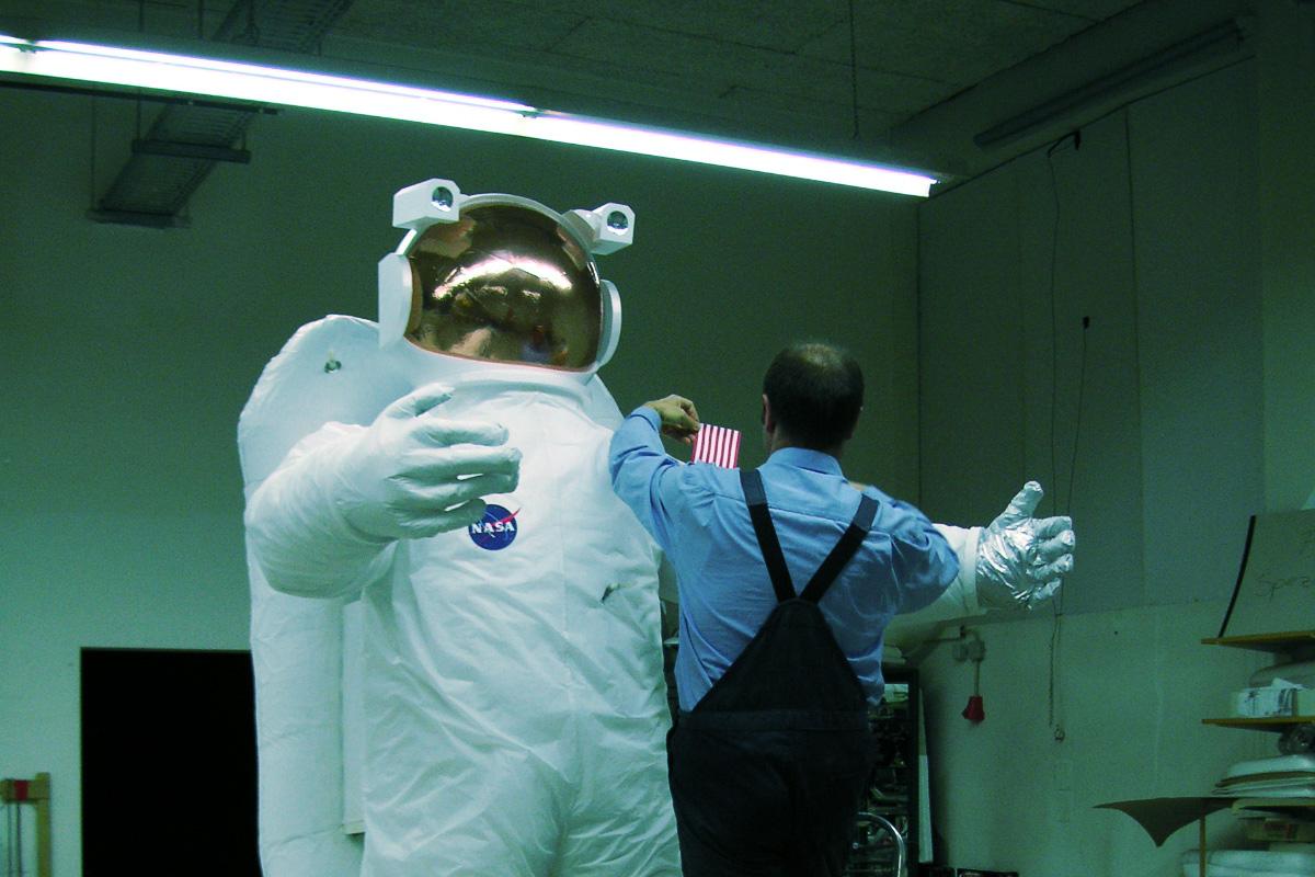 gal_astronaut_2