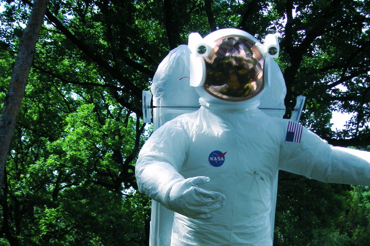 gal_astronaut_3